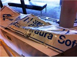 津波で折れ曲がった標識