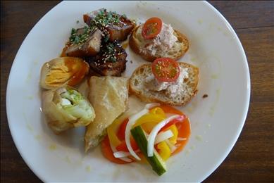 豚バラのリエットなど、かぞの豚をいろいろな料理でアレンジ